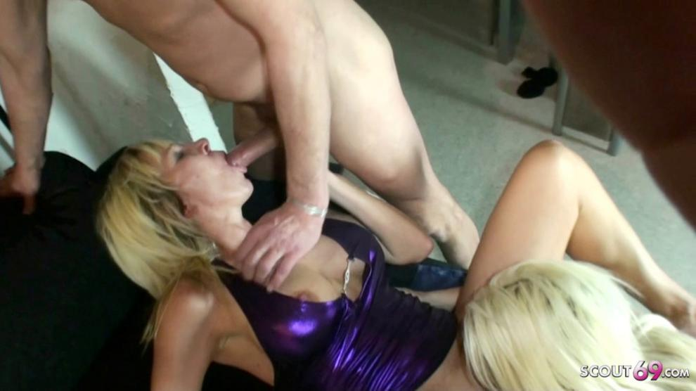 Creampie Eating and Anal Sex Threesome for 2 German MILFs