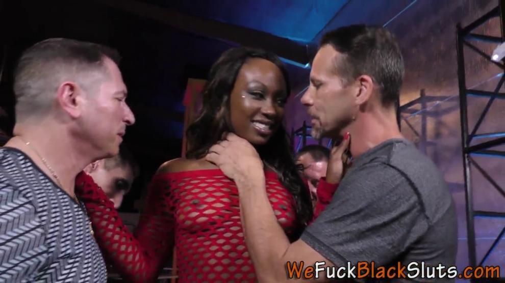 Ebony Whore Gets Gang Banged