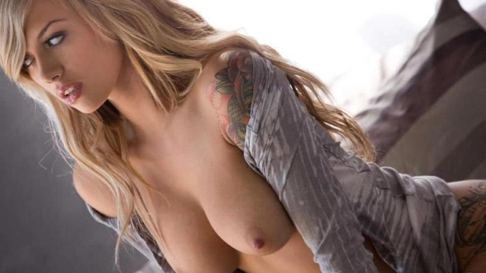 Emma Mae Aktorka Modelka Erotyczna Topless Letmejerk 1