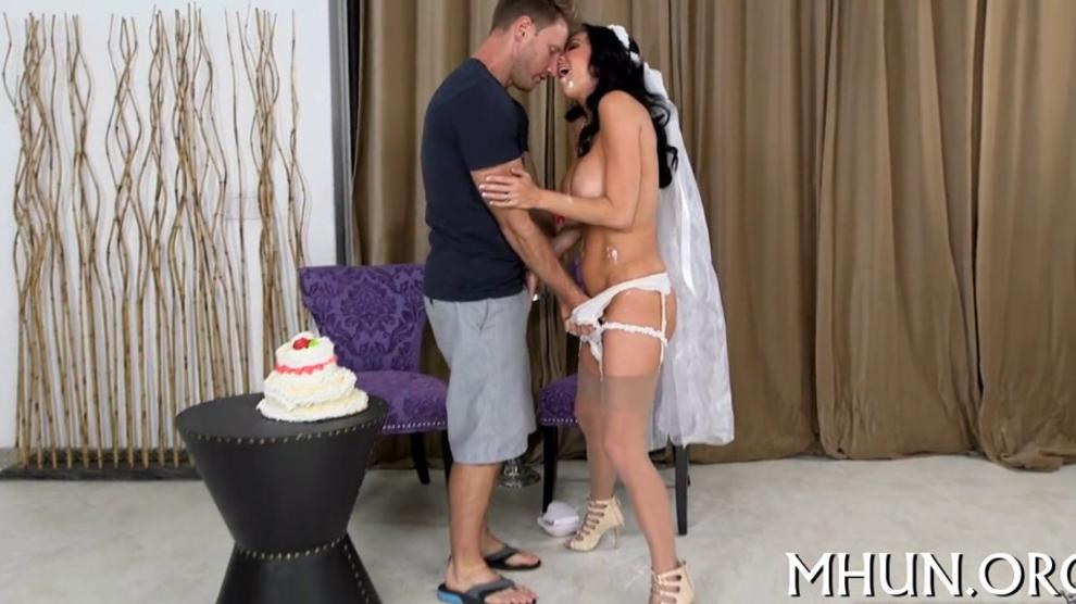 Breathtaking orgasms of a MILF - video 9