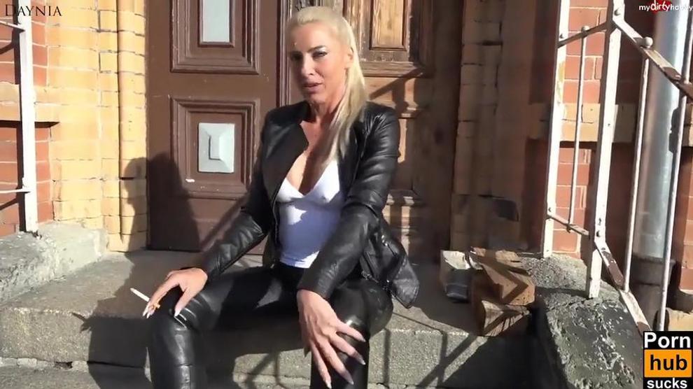 Smoking and fucking porn sites
