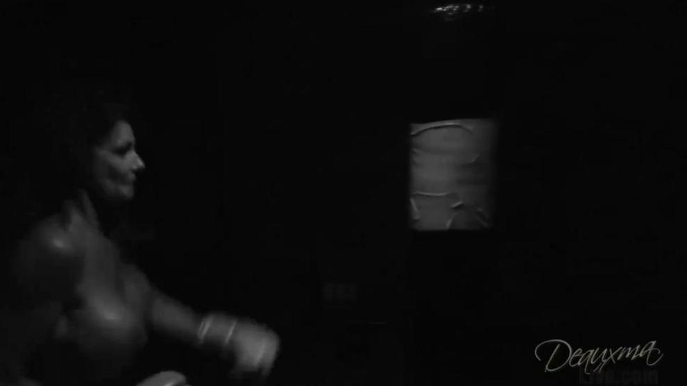 Deuxema Boxing training B&W.