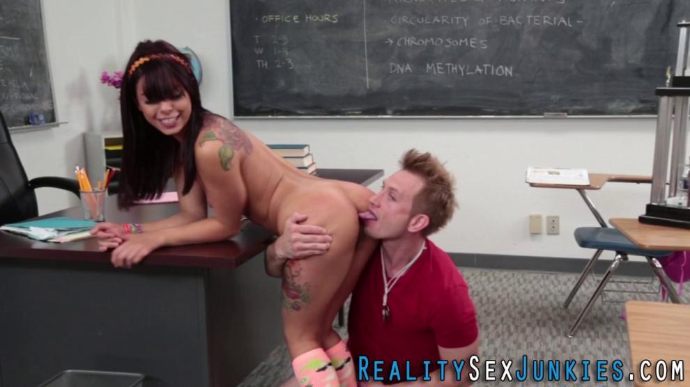 Teenage Pornstar Gets Rimmed