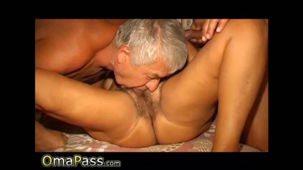 Sex Oma Video