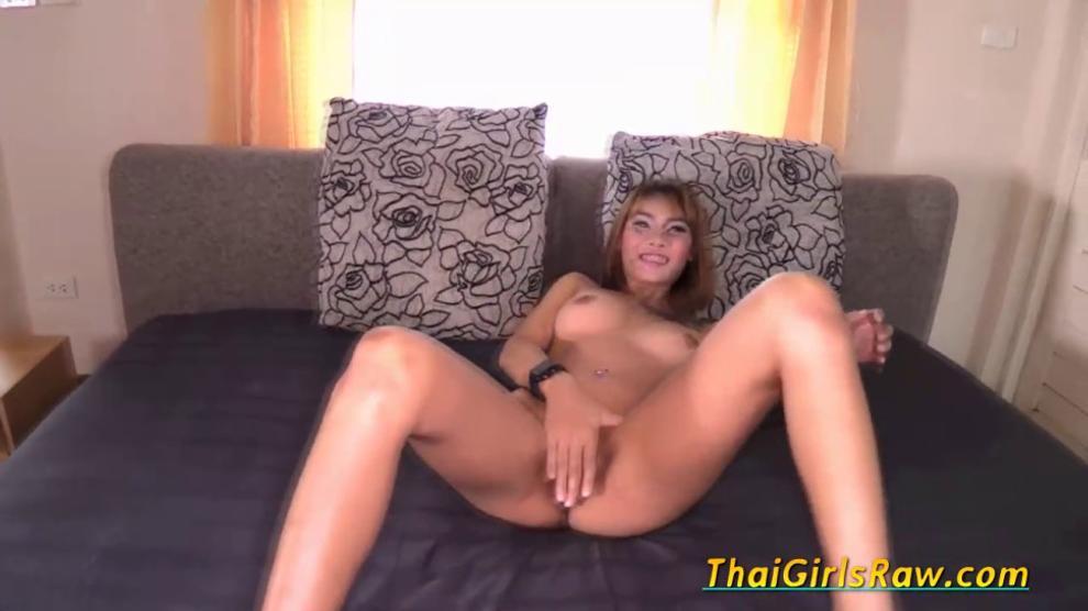 Sexy Thai Babe Enjoys Hardcore Sex in POV