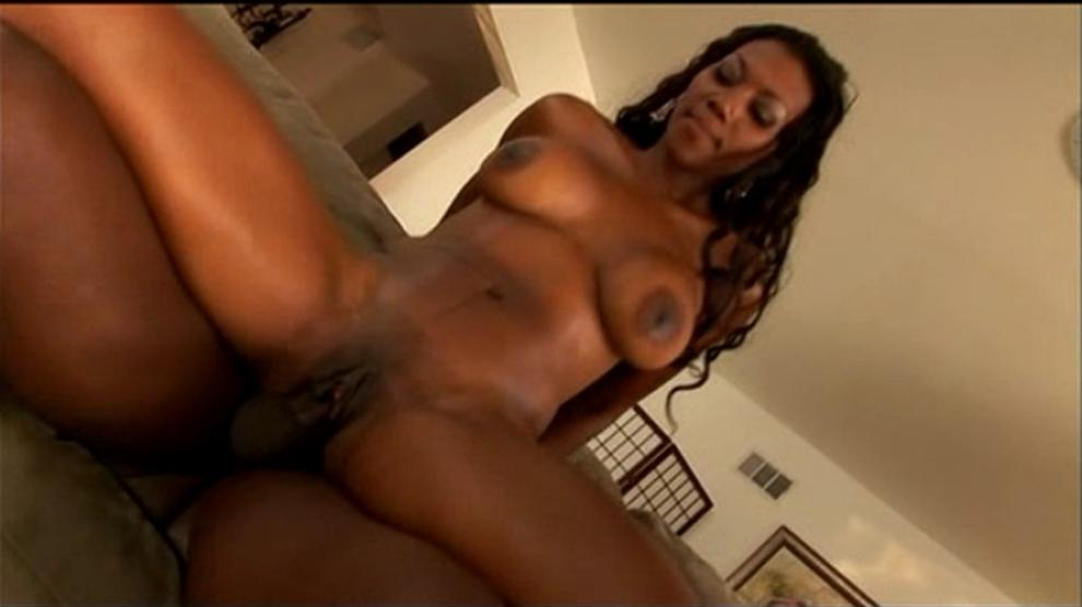 videos lesbian Nyomi banxx