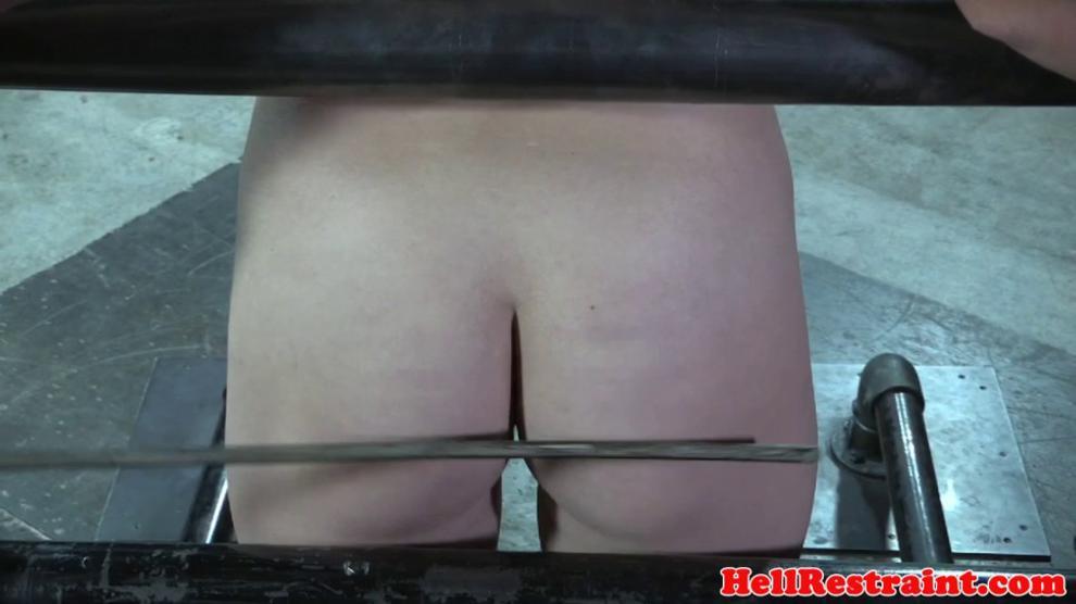 Heeled sex slave gets corporal punishment
