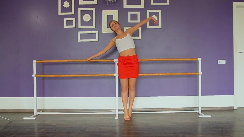 Yanna hot naked gymnast