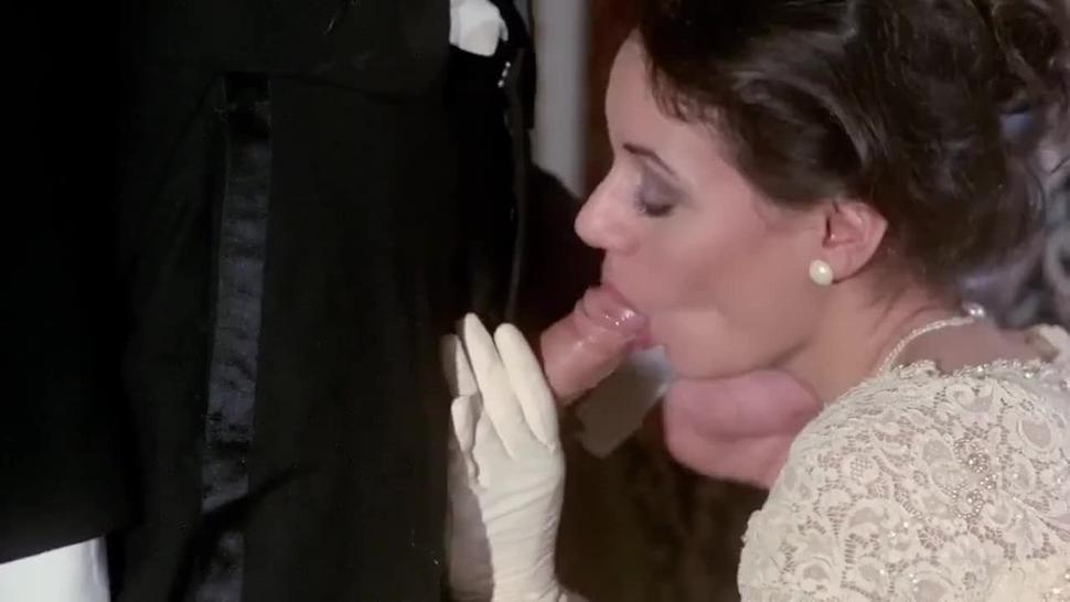 Honeymoon BLOWJOB - Wife sucking husband penis at the wedding - blonde voyeur oral sex fellatio wife