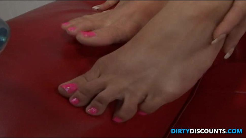 Amateur Barefoot Girl Drilled And Feet Jizzed - Rachel Roxxx