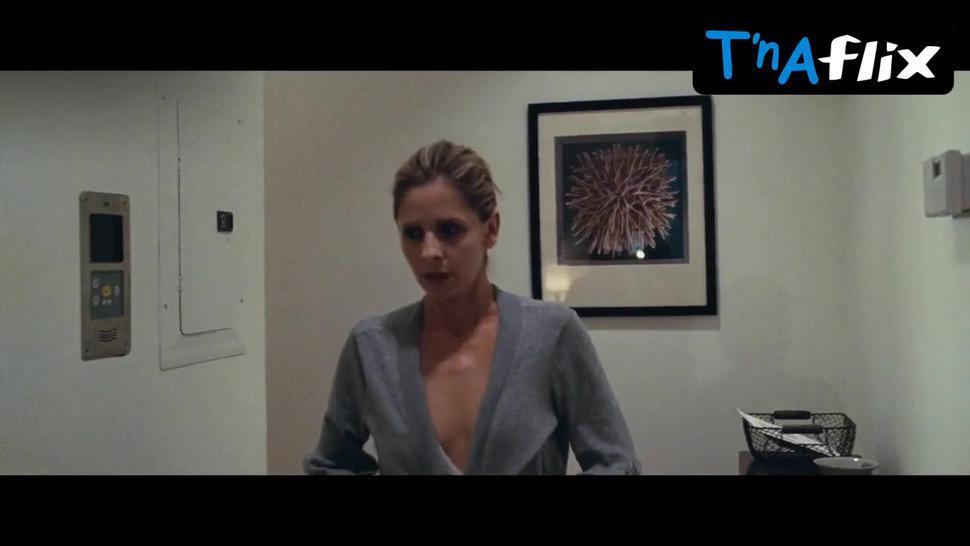 Sarah Michelle Gellar Sexy Scene  in Veronika Decides To Die