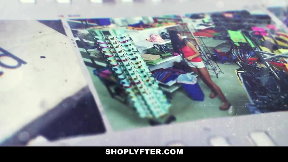Shoplyfter - Teen Caught Stealing Has To Screw Security