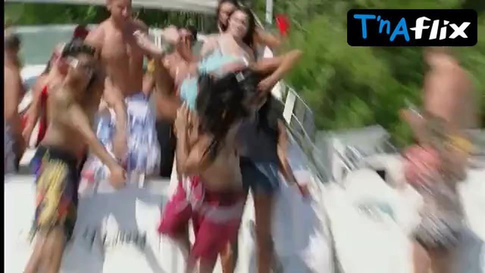 Nicole Snooki Polizzi Bikini Scene  in Jersey Shore
