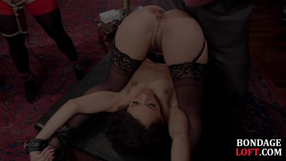 THE UPPER FLOOR - Flexible ebony sub dominated in group by dick