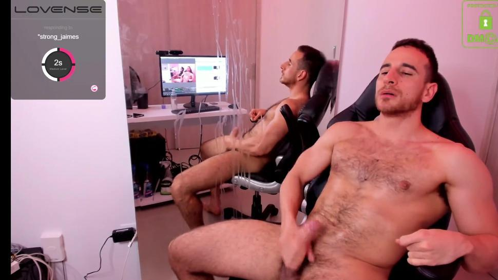 Adam Coper is shooting a huge cum on his chest