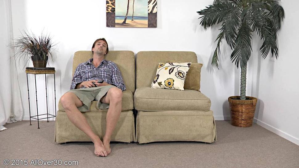Mature Lady Knows How To Satisfy A Man - Lady A