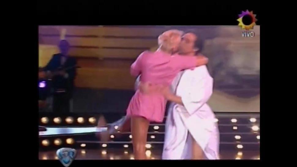 Monica Farro - Bailando por un Sueño - Strip Dance - Softcore TV Show Latin