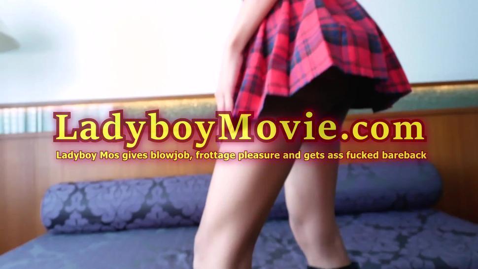 Ladyboy Mos Got Her Big Butt Fucked Bareback