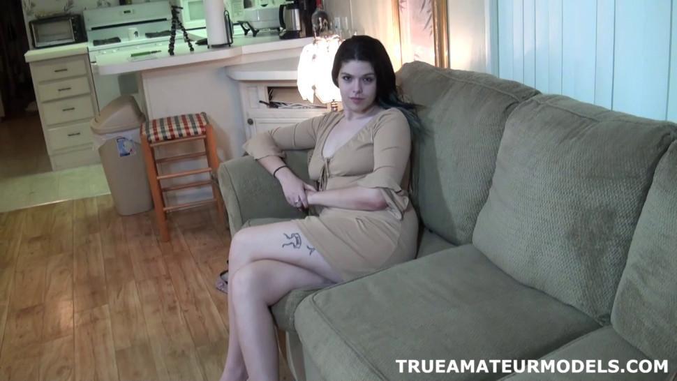 TRUE AMATEUR MODELS - Amateur Models Nude And Spreads Apart Ass Crack