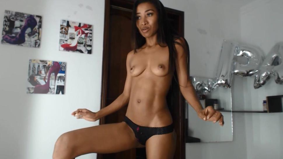 Young Jamaican Ebony Girl Posing Naked On Webcam