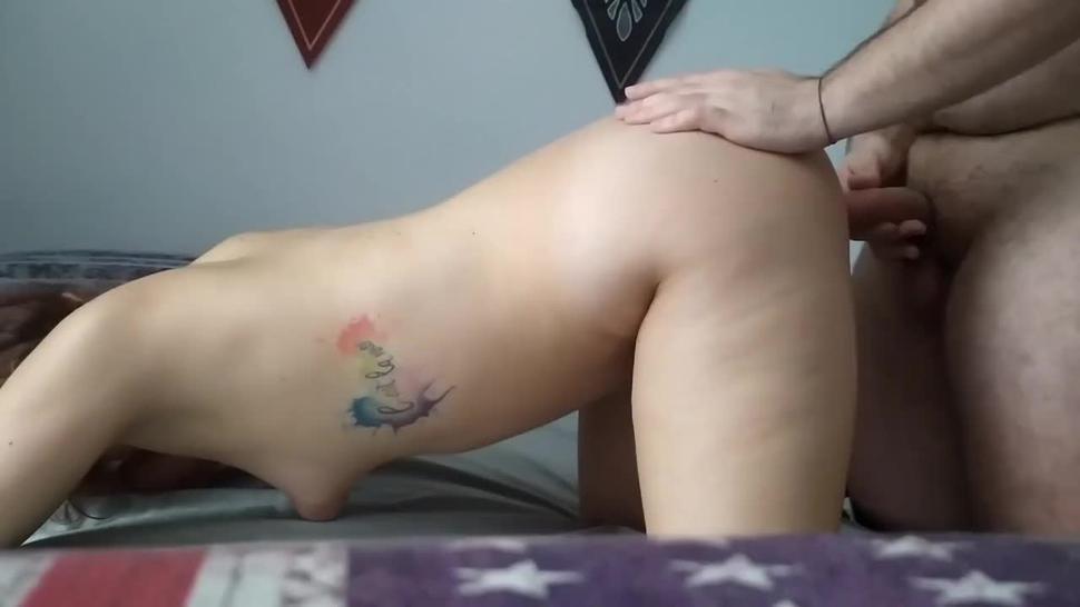 La mia ragazza eccitata chiede di metterglielo nel culo / dildo anal Dp / Creampie anale (italiano)
