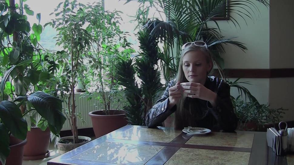 Young Blonde Likes To Suck And Screw