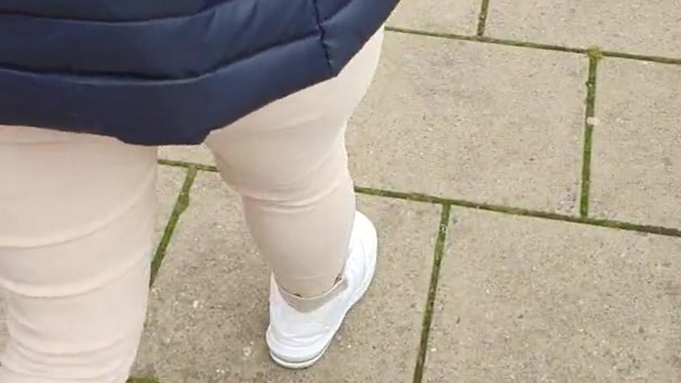 Step mom in leggings tries a big dick and facial fuck with step son