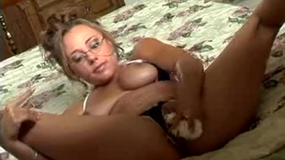 4 Bitches Get Fucked, Sucked, And Squirt Dry-All By One Guy