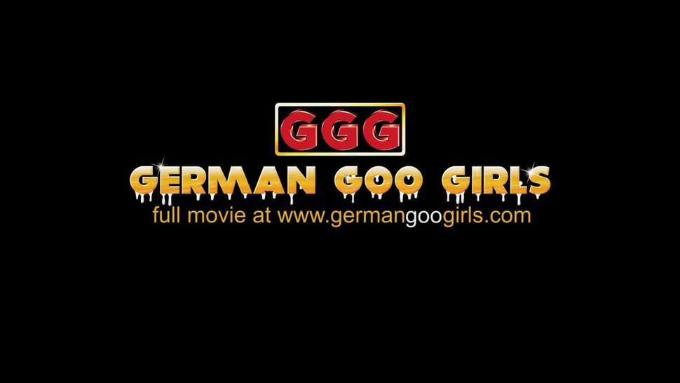 Old School Bukkake Gangbang - German Goo Girls