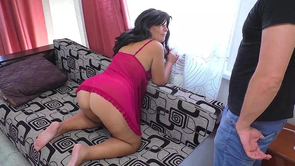 A mature mom gave her son a blowjob and had sex with him. Anal sex