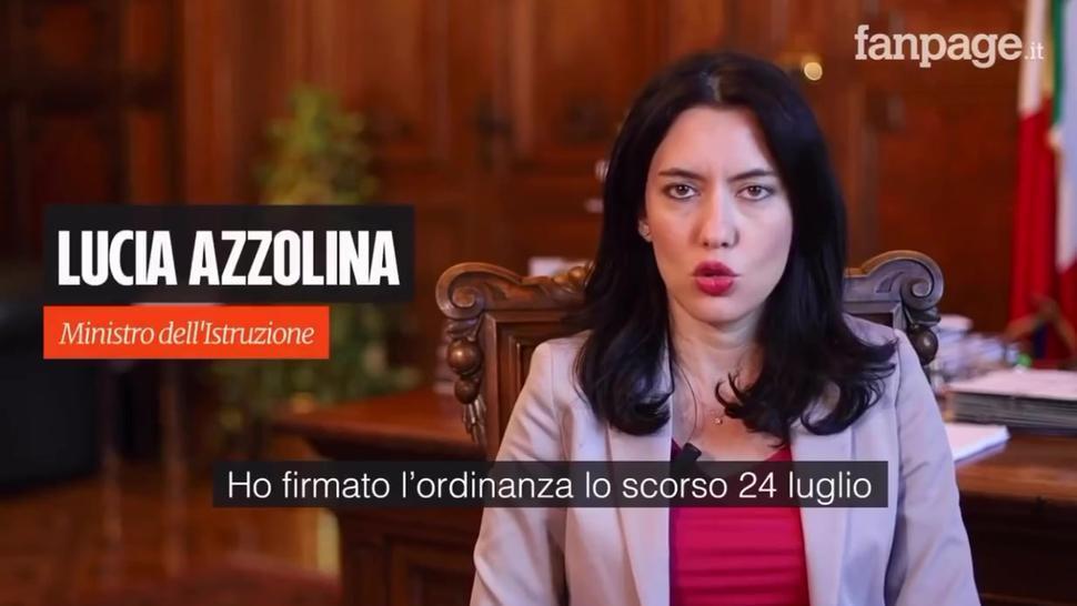 Lucia Azzolina Lo Mette in Culo Agli Studenti - Video in Italiano