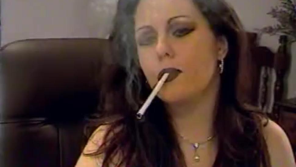 The legendary Amberiz2hot smoking sexy