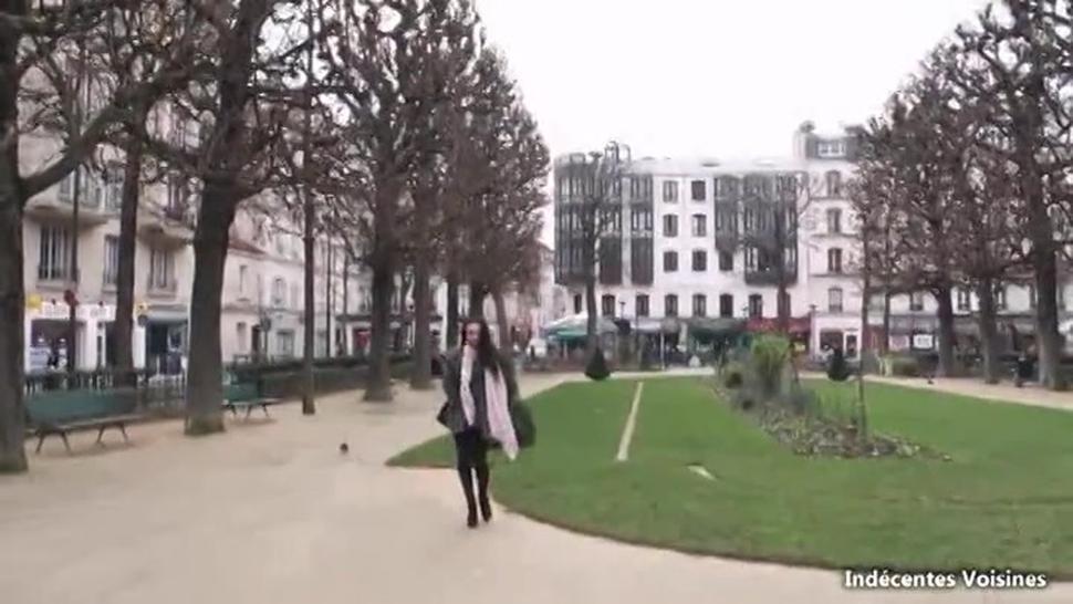 French girl Elie having hot sex