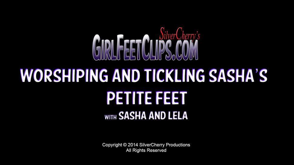Sasha Foxx and Lela Beryl Foot Worship