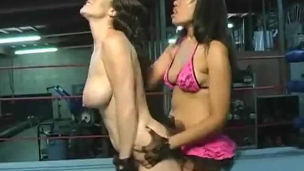 Super Lesbians humping ass