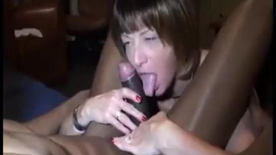 Amateur Older Milf With A Fat Cunt Rides Black Cock