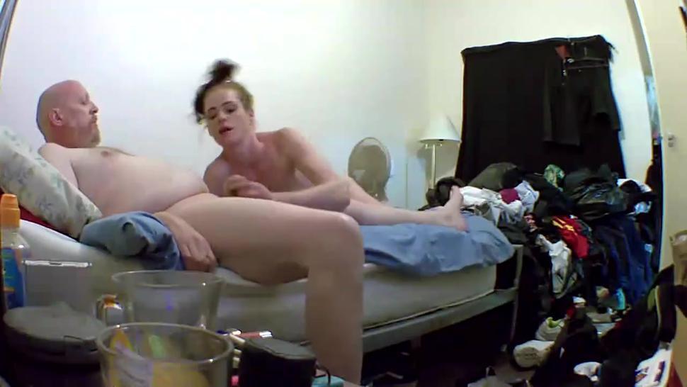 Bareback blow job by street whore