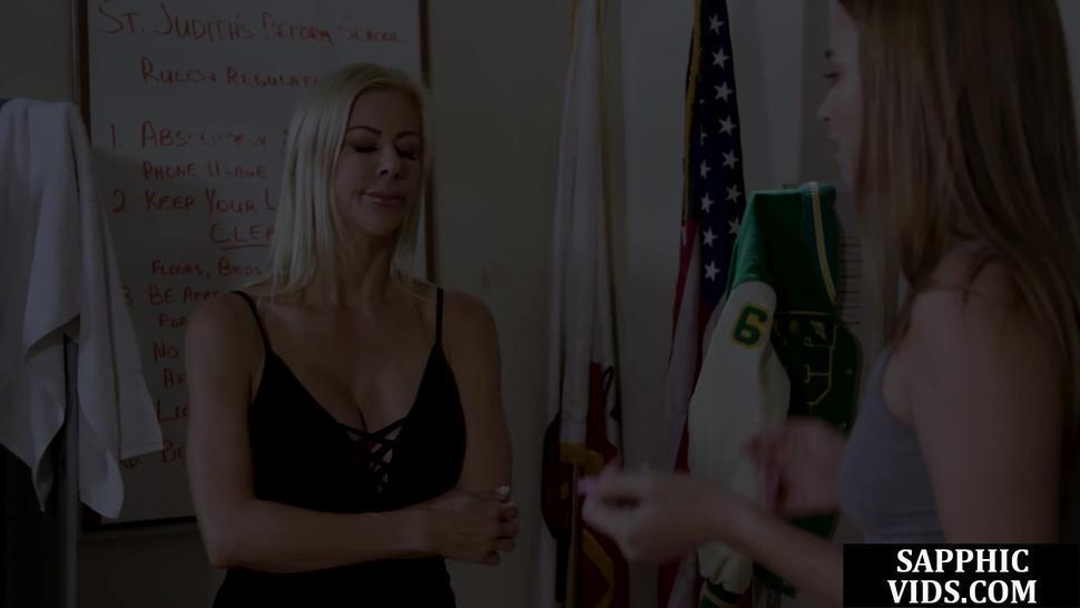 Teen lesbian pussylicks and tribs her teacher