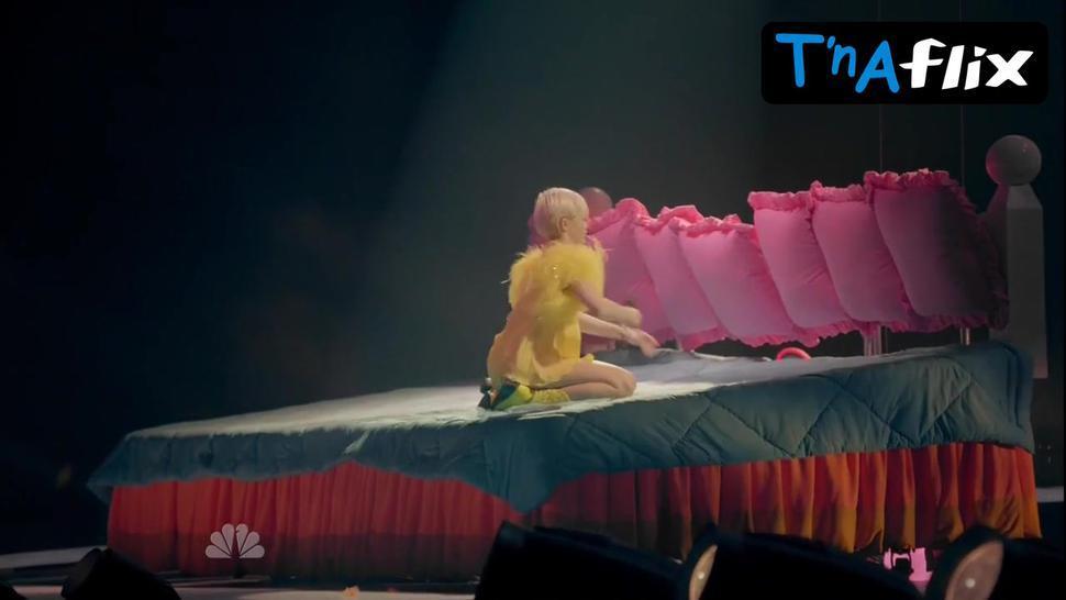 Miley Cyrus Sexy Scene  in Miley Cyrus: Bangerz Tour