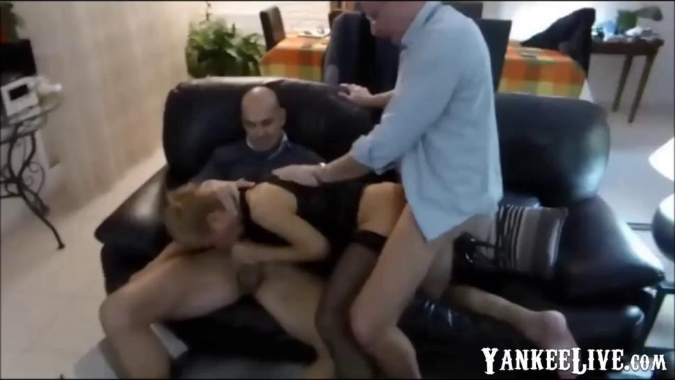Bien prise par deux mecs - video 1