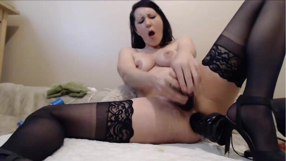 Horny Slut MILF Filling Her Both Holes With Dildos