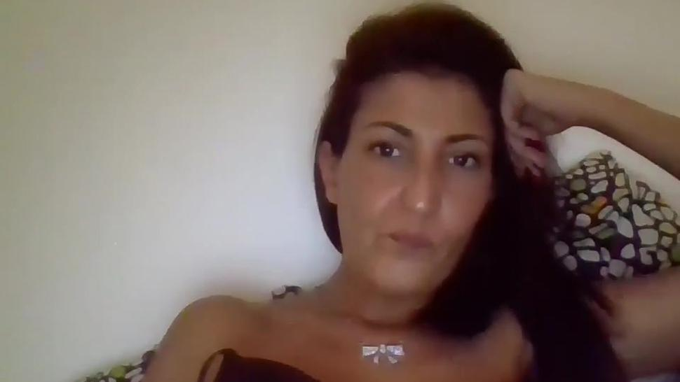 Sexy Smoking Black Hair Camgirl+Spit Play+Stocking+Legs Show