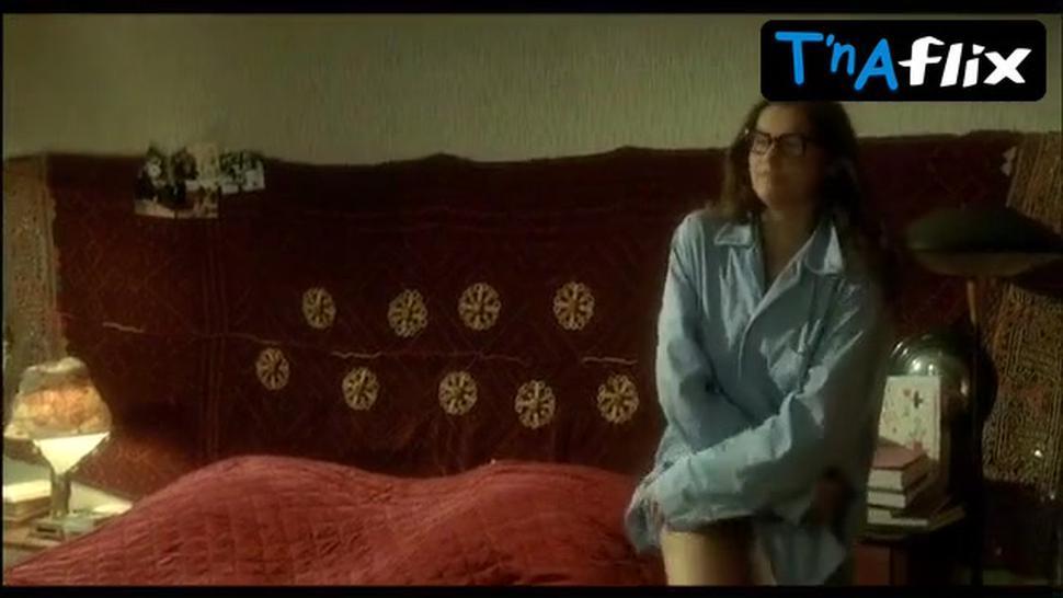 Laetitia Casta Breasts,  Bush Scene  in Le Grand Appartement