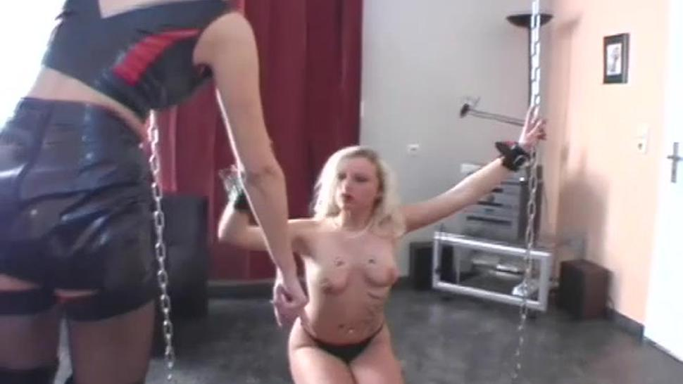 Dirty beauty gets crotch licked