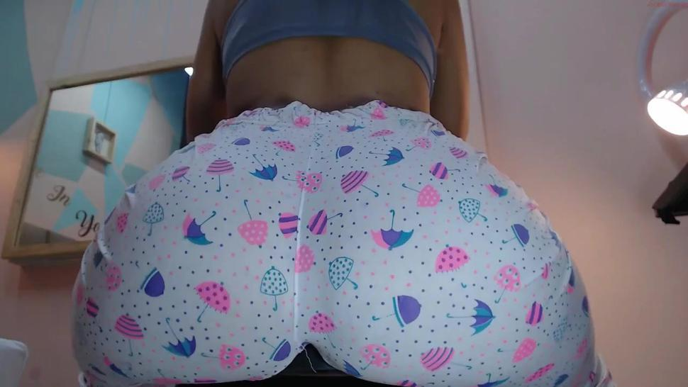 mollyguns bubble booty flexing clenching sitting down ass control in sexy fantasy leggings