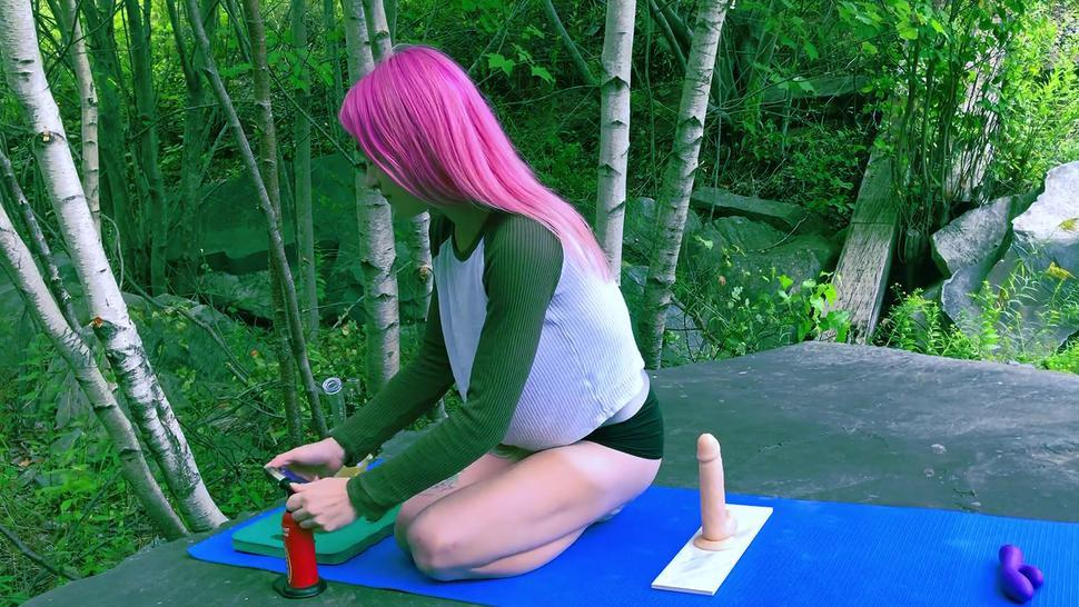 CUTE TEEN WITH PINK HAIR SQUIRTS ALL OVER HER 8 INCH DILDO // IsabellaFern //
