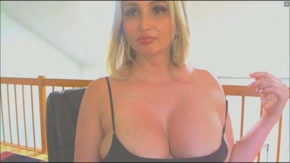 Sexy busty pregnant