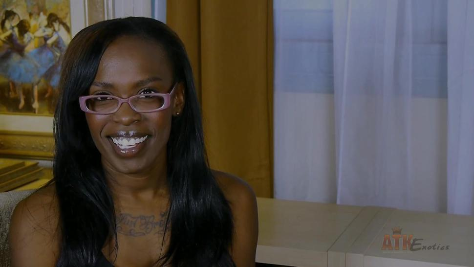 Ebony Girl With Glasses In Solo Action - Bella Doll
