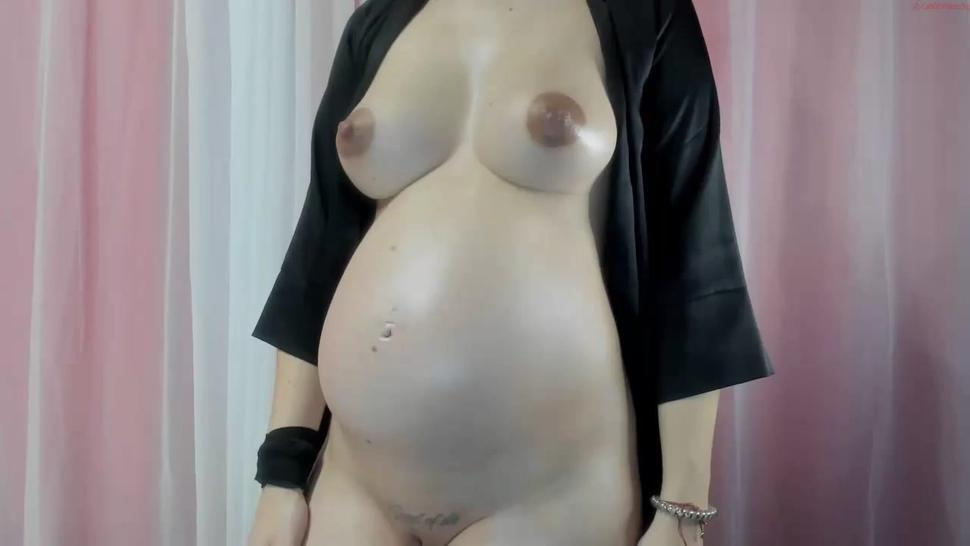 Blonde Pregnant Teen with perfect body