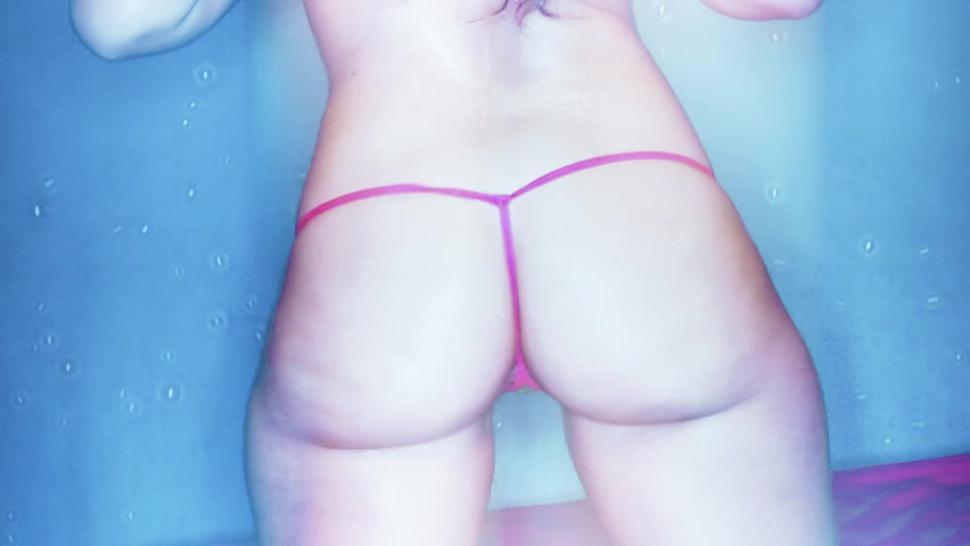 Carmen Valentina's Amazing Bubble Butt